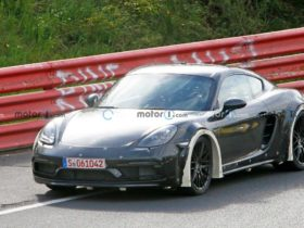 porsche-cayman-with-wide-fenders-was-captured-on-tests
