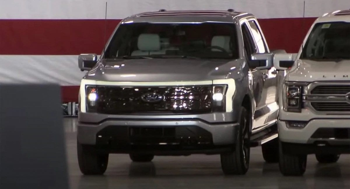 us-president-biden-tests-new-ford-f-150-electric-truck-in-michigan