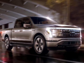 2022-ford-f-150-lightning-first-look-review:-a-new-era-begins