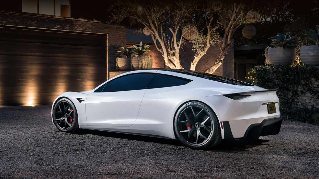 tesla-will-finalize-the-exterior-of-the-roadster-model-before-launching-the-series