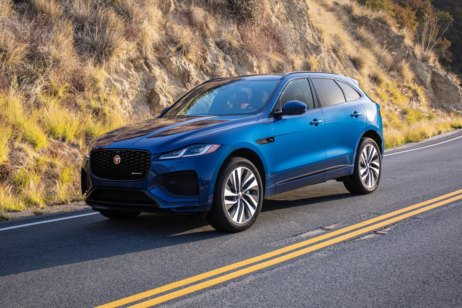 2021-jaguar-f-pace-first-drive-review:-luxury-refined