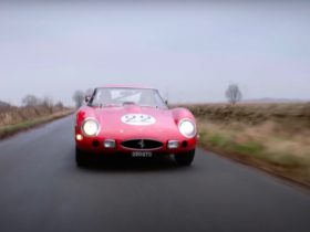 pink-floyd-drummer-takes-ac/dc-singer-for-a-drive-in-a-ferrari-250-gto