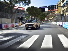 electric-crossover-nissan-ariya-made-public-debut-at-the-famous-race-track-in-monaco