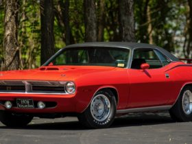 1970-plymouth-'cuda-440-6-heads-to-auction