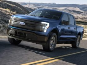 2022-ford-f-150-lightning-pro:-us$40,000-electric-work-ute-breaks-cover