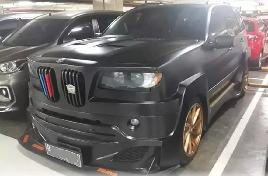 the-unsuccessful-tuning-of-the-bmw-x5-was-presented-on-the-internet