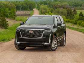 review-update:-2021-cadillac-escalade-with-super-cruise-rides-like-a-first-class-road-king
