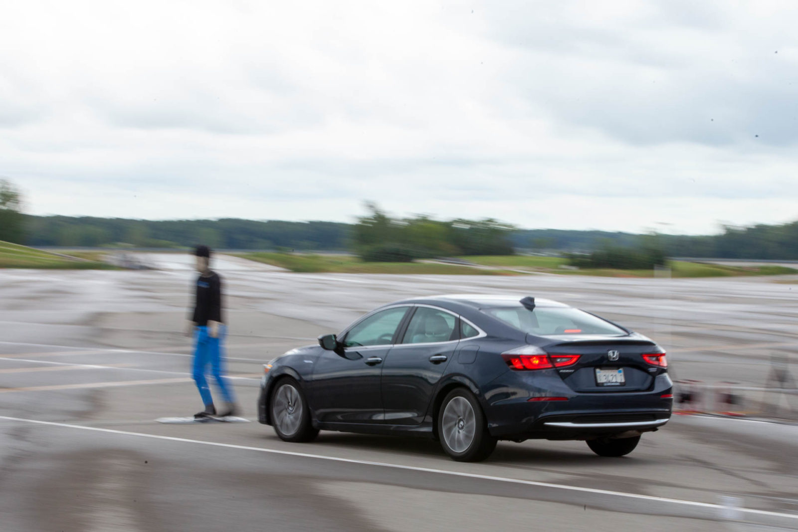 pedestrian-fatalities-spike,-tautara-strike-tuned-to-2,200-hp,-ev-battery-life-addressed:-what's-new-@-the-car-connection