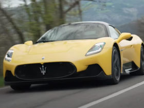 maserati-is-on-to-a-winner-with-the-mc20-mid-engined-supercar