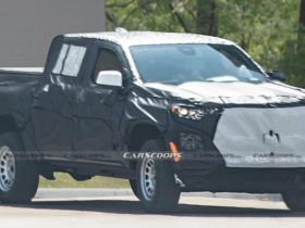 new-generation-chevrolet-colorado-pickup-showed-on-the-first-spy-photos