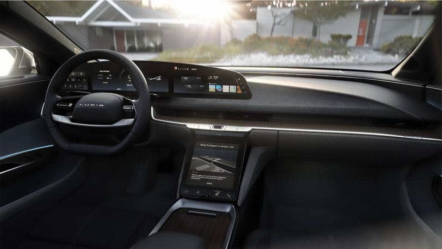 lucid-showcases-interior-of-luxury-electric-air-with-retractable-touchscreen