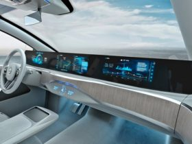 full-width-displays-on-dashboard-coming-soon-to-more-cars