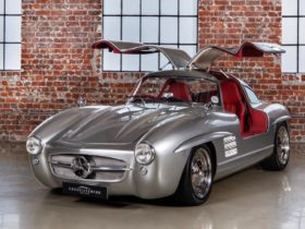 someone-turned-a-mercedes-benz-slk-class-into-an-adorable-300sl-gullwing-replica