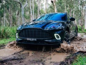 2021-aston-martin-dbx-review:-off-road