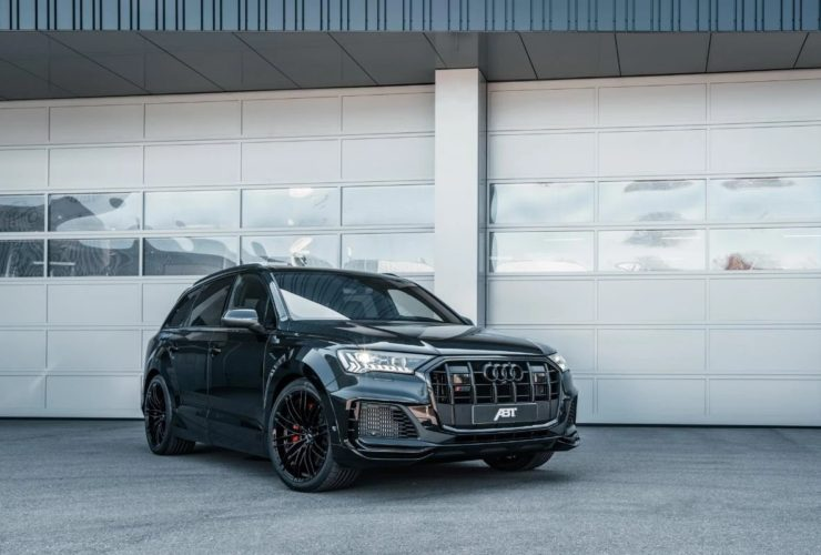 presented-a-powerful-crossover-audi-sq7-from-tuning-studio-abt