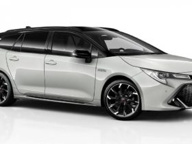toyota-is-preparing-a-sports-version-of-the-hybrid-corolla-touring-sports-gr-sport