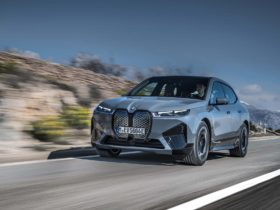 preview:-2022-bmw-ix-xdrive50-arrives-with-516-hp,-300-mile-range,-and-$84,195-base-price