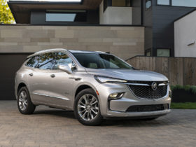 2022-buick-enclave-suv-comes-around-with-standard-safety-features