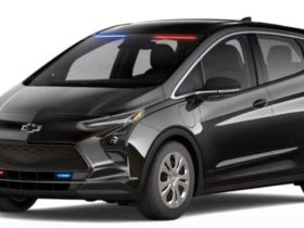 2022-chevrolet-bolt-and-bolt-euv-crossover-turned-into-police-cars