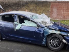 video:-tesla-model-3-crushed-by-concrete-blocks;-driver-and-passenger-virtually-unharmed