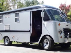 a-shabby-'50s-camper-gets-a-second-life