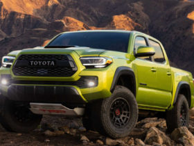 toyota-adapts-tacoma-pickup-truck-with-frame-construction-for-off-road