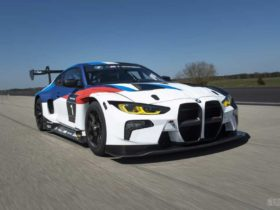 bmw-m4-gt3-debuts-with-a-hybrid-steering-wheel
