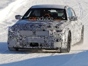 2023-bmw-m2-to-offer-320kw-from-twin-turbo-inline-six,-manual-gearbox-–-report