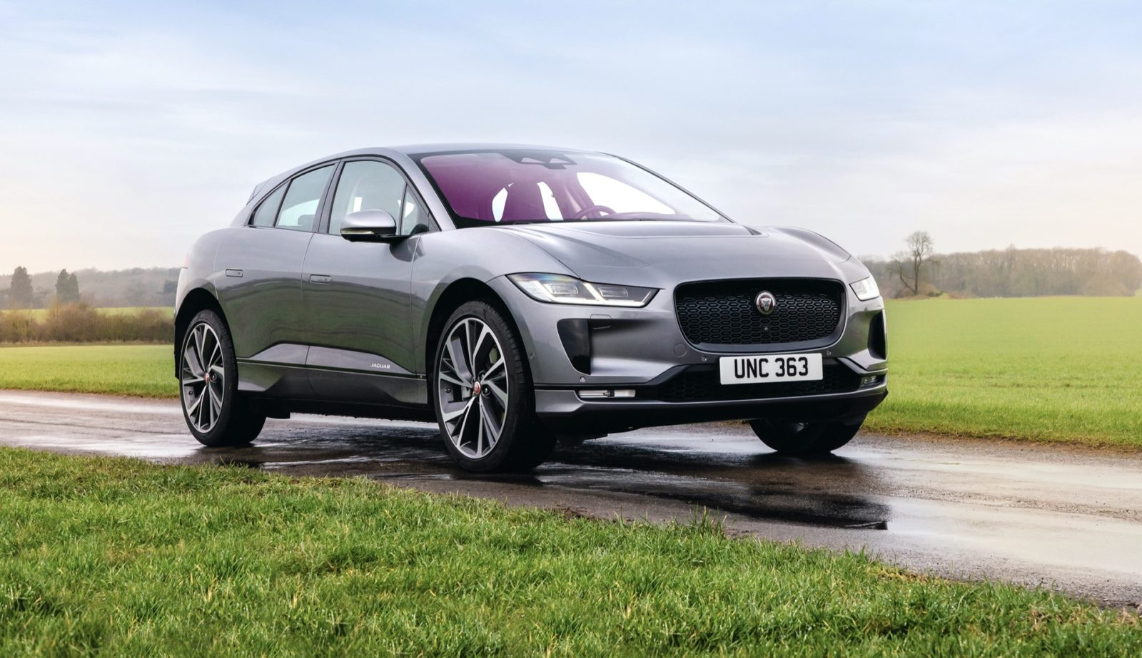 preview:-2022-jaguar-i-pace-revealed-with-improved-charging,-infotainment