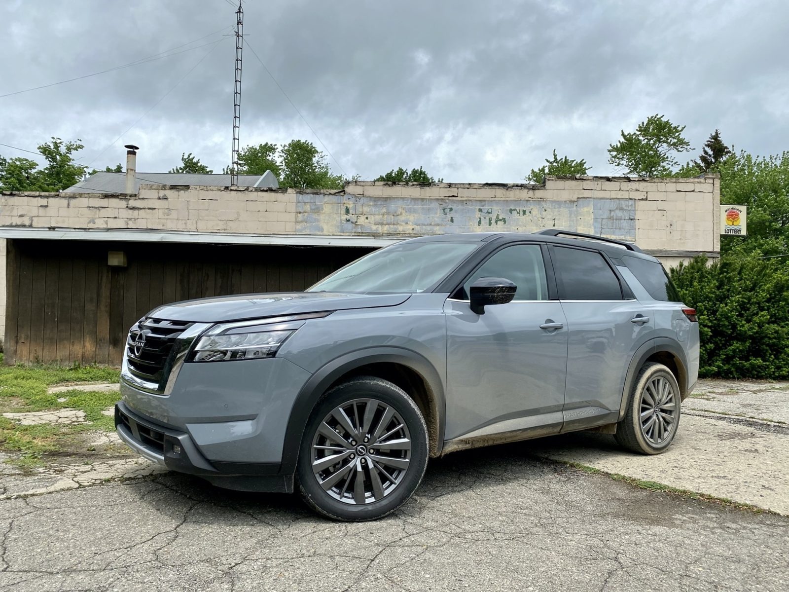 2022-nissan-pathfinder-tested,-2022-bmw-x3-previewed,-lordstown-motors-sputters:-what's-new-@-the-car-connection