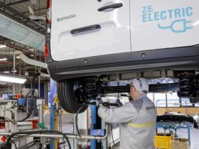 renault-sets-up-production-center-for-renault-electricity-electrical-solutions