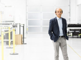 apple-hires-ex-bmw-i-chief,-canoo-co-founder-for-car-project