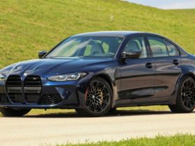 audi-rs5-tries-to-overtake-the-new-bmw-m3-in-drag-racing