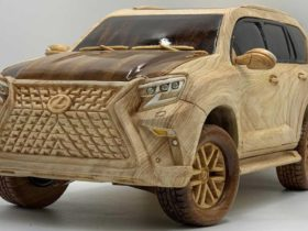 the-web-showed-an-amazing-lexus-gx-460,-completely-carved-from-wood
