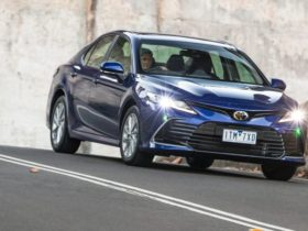 2021-toyota-camry-ascent-review