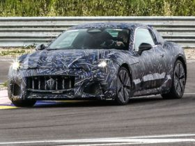 2022-maserati-granturismo-teased-with-electric-power,-reveal-due-by-end-of-2021