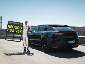new-2022-porsche-cayenne-variant-sets-nurburgring-suv-lap-record