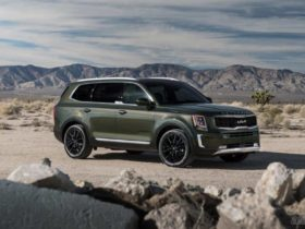 2022-kia-telluride-debuts-with-new-logo,-more-standard-features