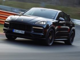 new-high-performance-porsche-cayenne-coupe-variant-breaks-nurburgring-suv-lap-record