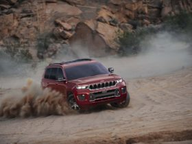 2021-jeep-grand-cherokee-l-review,-porsche-cayenne-coupe-sets-'ring-record,-clarity-phev-discontinued:-what's-new-@-the-car-connection
