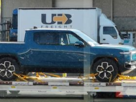 rivian-r1t-pick-up,-r1s-suv,-and-amazon-delivery-van-spied-in-new-zealand-as-first-deliveries-near