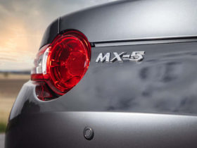 mazda-mx-5-to-go-hybrid-by-2030,-electric-model-not-ruled-out