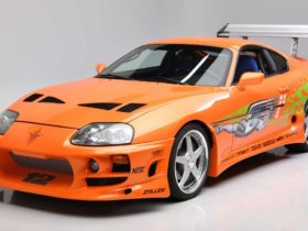"""toyota-supra-from-""""fast-and-furious""""-movie-sold-for-$-550,000"""