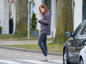 hey-pedestrians,-it's-time-to-take-some-responsibility-for-your-own-safety