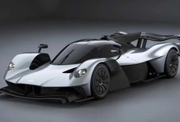 a-photo-of-an-aston-martin-valkyrie-with-a-crazy-aero-kit-appeared-on-the-web