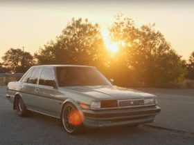 toyota-cressida-hides-the-internet's-most-famous-engine,-is-a-10-second-sleeper