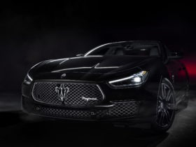 italian-excellence-meets-japanese-fashion-in-two-special-edition-maserati-ghibli