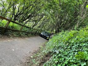 car-gets-stuck-on-coast-path,-of-course-it's-not-the-driver's-fault