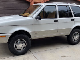 this-is-the-laforza,-the-v8-italian-luxury-suv-you've-never-heard-of