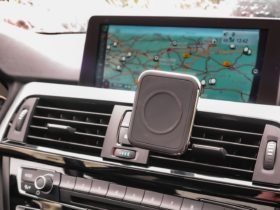 this-magsafe-car-charger-makes-using-wireless-carplay-as-easy-as-one-two-three